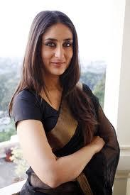 Kareena Kapoor in a saree with straight hair style